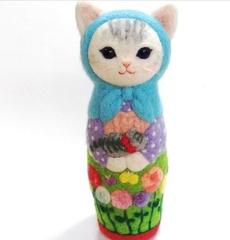 big猫マトリョーシカLサイズ・空色ずきん「春を待つ」