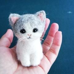 「スモール子猫シリーズ」を手のひらサイズで制作します