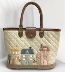 ハウスのアップリケが可愛いバッグ