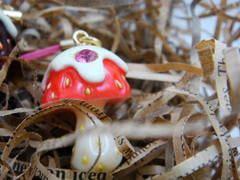 MICO-E 苺MONO マッシュルームベリー・ストラップ