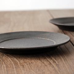 鉄黒リム皿