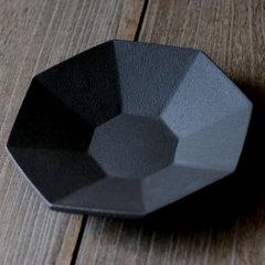 錆黒八角鉢