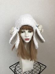 1652 長いお耳のもこもこ羊の耳あて帽子