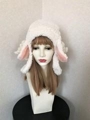 1537 長いお耳のもこもこ羊の耳あて帽子