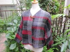 <o-f122>マフラー付赤と黒のチェック柄手織りジャケット