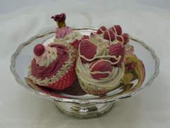 柱脚のケーキ/フルーツスタンド