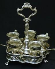 英国貴族気分♡ヴィクトリア時代のエッグスタンド(珍しい5人用)