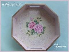 薔薇とレースの八角トレイ(ピンク) トールペイント