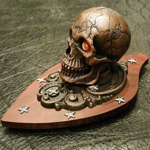 "JUNK SMITH Special Rimited ""Heavy Skull Paperweight"""