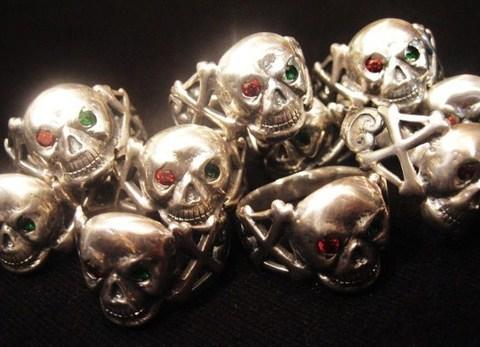 """Attractions × 8UP    """"Skull & Crossbone Ring"""""""