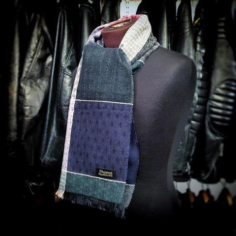 "Dapper's ""Quilt Pattern Woolen Scarf by V.FRAAS"""