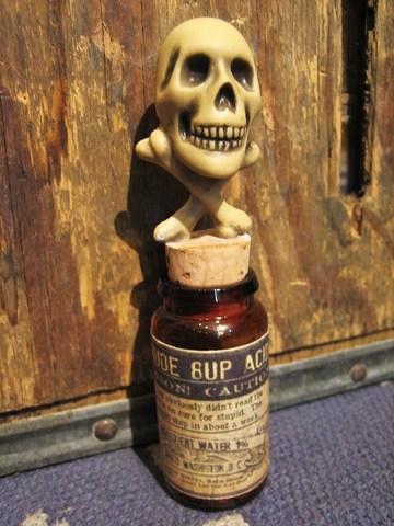 """R MODELS × 8UP """"Skull & Cross Bones Poison Bottle"""""""