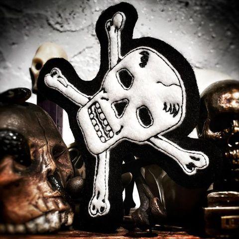 Cross Bone Skull