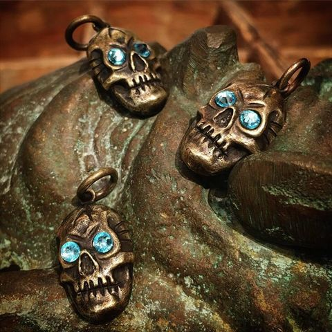 "Lucky Rudy × 8UP ""Skull Charm"""