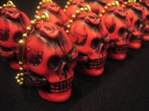 """R MODELS × 8UP """"Skull & Snake"""" Key-Chain"""
