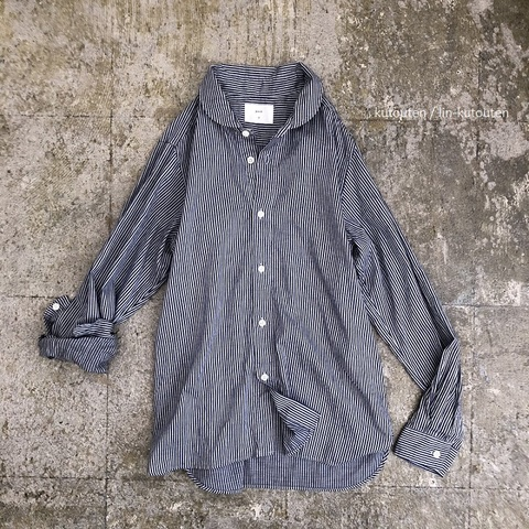 ムラ糸ツイルストライプのラウンドカラーシャツ