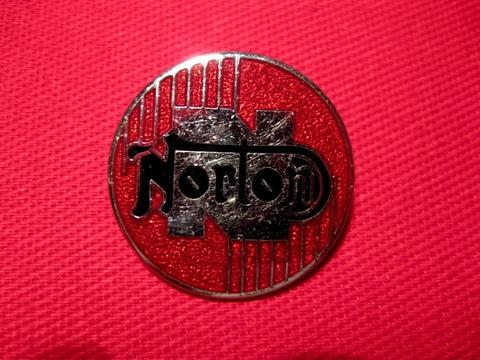 <BADGE> NORTON round
