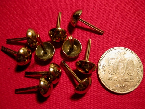 <STUDS> GOLD 10mm x 10