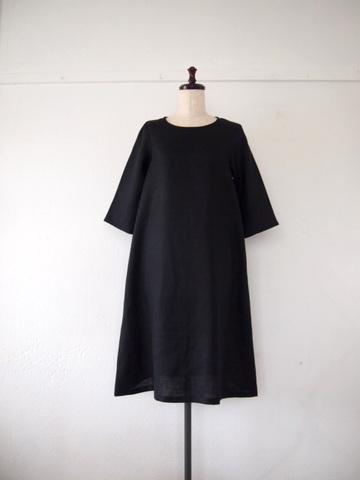 【大きいサイズ】【3L〜8L】リネン*シンプルなAラインのワンピース(ブラック)
