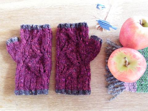 葉っぱ模様の指なし手袋「リーフ」/ Sloe(リンボク)