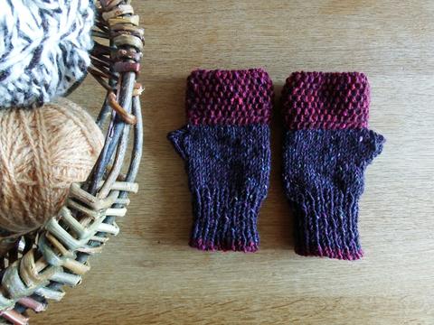 羊毛100% アイルランドの指なし手袋 / Berry(ベリー)