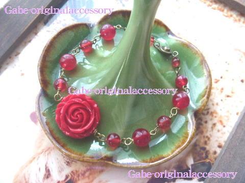 赤い薔薇ブレスレット