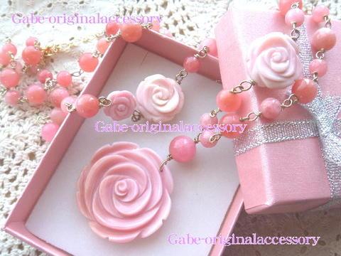 ピンクの薔薇ネックレス