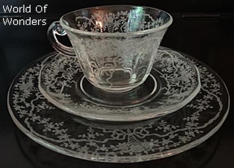 アメリカ製 フォストリア カップ&ソーサートリオ(花束柄)