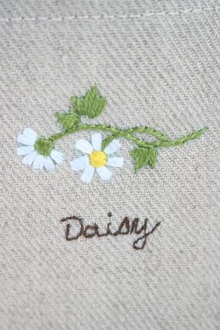 刺繍のリネンバッグ(デイジー2輪)