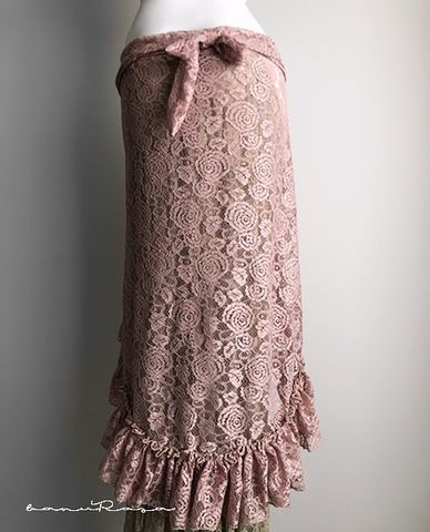 Ruffled Flower Lace SK -t.ROSE