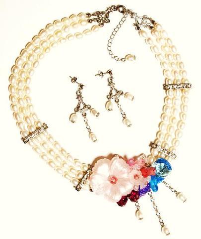 花のワルツネックレス&ピアス(S&Pink)