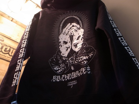 "BLACKDALLAS/ブラックダラス""BD CHRONICLE""袖プリver.(BLKxWHT)HEAVY ZIP UP HOODIE/ ARTWORK by USUGROW(ウスグロ)"