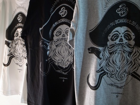 "BLACKDALLAS/ブラックダラス/""PIRATESⅢ""(WHTxBLK・BLKxWHT・GRYxBLK)Tシャツ Artwork by USUGROW"