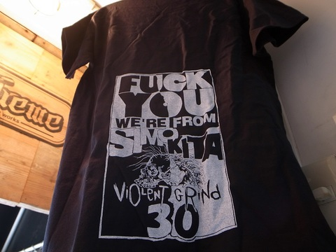 "VIOLENT GRIND/バイオレントグラインド""30th FUCK YOU WE'RE FROM SHIMOKITA""Tシャツ"