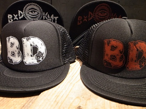 "BLACK DALLAS(ブラックダラス)""BDXKMT"" メッシュキャップ Artwork by KHART (カート)"
