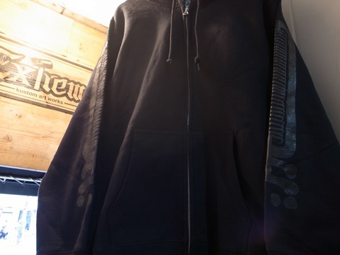 "BLACKDALLAS/ブラックダラス""黒ロゴ""フルジップパーカー/ZIP UP(BLACKonBLACK)ESSU"