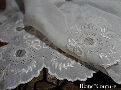 シルク刺繍ハンカチーフ