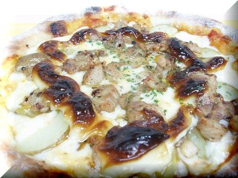 ハーブチキンとポテトのピザ