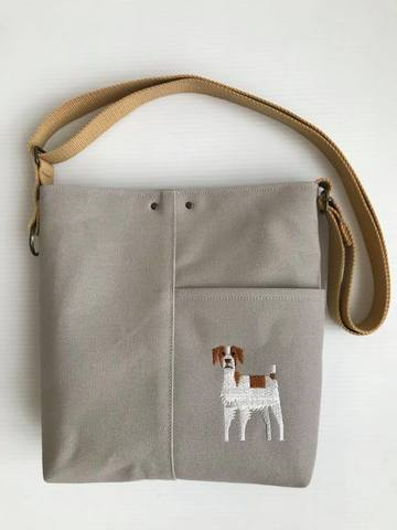 ブリタニー・スパニエル/犬刺繍サコッシュ【R-11】5,800円(税別)