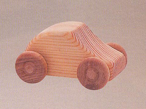 木のおもちゃ【北欧の乗用車】
