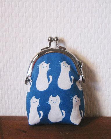ちびがまぐち ネコ柄(青)