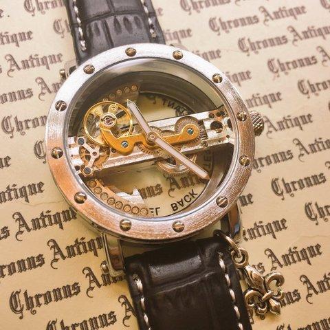 826.手巻きスケルトン腕時計(横一列ムーブメント)