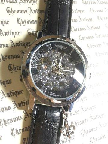 811.手巻きスケルトン腕時計(ホイール黒顔銀文字)