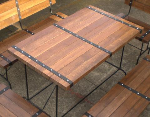 STEEL BELT テーブル