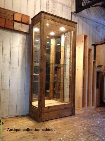 無垢,木枠,ガラス,木製,ショーケース,アンティークコレクションキャビネット.キュリオケース,縦型