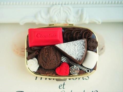 チョコアイスとガトーショコラのピルケース