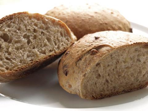 03.くるみ入りどんぐりロール(2個入)【 焼きたてパン[冷凍]】