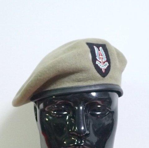 WW2英軍★SASサンドベレー 帽章(刺繍)付★58cm