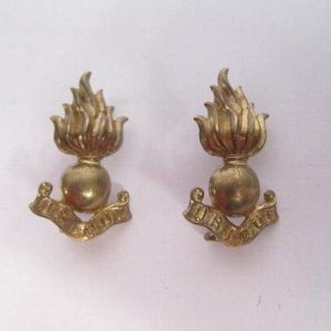 WW2英軍 Royal Artillery ブラスカラーバッジ襟章
