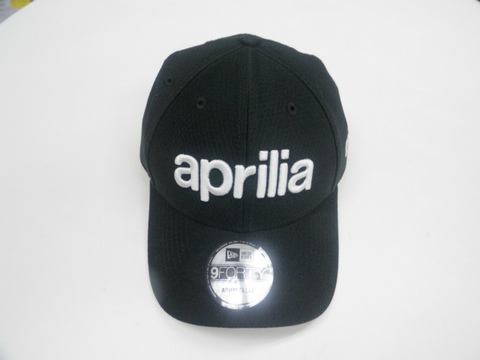 Aprilia × NEW ERA® 9FORTY ベースボールキャップ-2020-(ブラック)